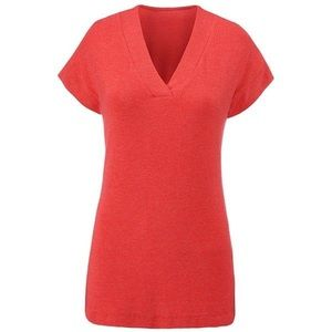 Cabi red laid back tee